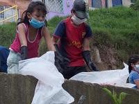 CAR y comunidad fortalecen jornadas de limpieza en Soacha