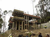 Por daño ambiental demolerán construcción en los cerros orientales