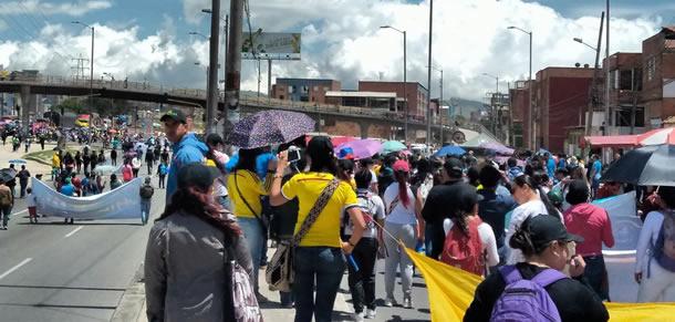 Soacha manifiesta inconformidad por servicios de salud para docentes