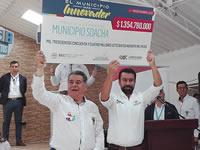 Alimentos y un cheque por más de $1.300 millones trajo el gobernador Rey a Soacha