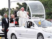 Fabricación de los Papamóviles está en un 70%