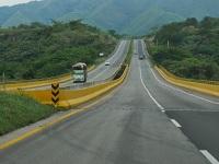 En 2018 estaría listo primer tramo de tercer carril Bogotá-Girardot