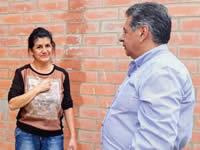 Alcalde González recorre obras de salones comunales