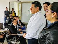 Alcalde de Soacha visita a inscritos en atención al cliente