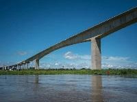Avanza la construcción del puente más largo que tendrá Colombia