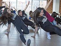 Jóvenes de Ciudad Verde  bailan  para ser agentes de cambio en su comunidad