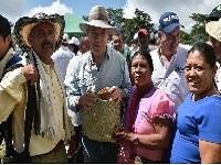 Santos entregó  tierras a afectados por el conflicto en Cundinamarca