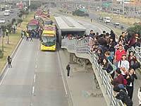 Bloquean  carril de Transmilenio en Soacha