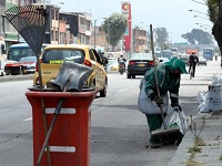 Anuncian rebajas en las tarifas de recolección de basura en la capital