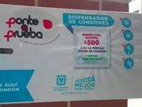 Bogotá instala dispensadores de condones