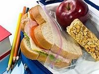 Colegios de ocho regiones del país siguen sin alimentación escolar