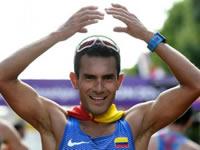 Campeón mundial de atletismo recibe vivienda en Soacha