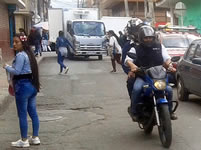 Calles de Soacha son invadidas para  parquear