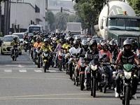 Por contaminación podrían crear impuesto para conductores de motos en Bogotá