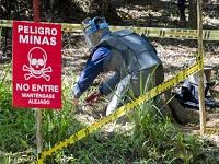 Colombia declara más zonas libres de minas
