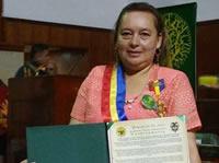 Mujer soachuna es condecorada en la Asamblea