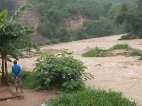 Alerta por posibles desbordamientos de ríos en 10 departamentos
