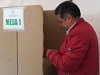 Alcalde de Soacha madruga a votar