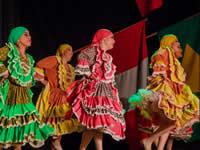 Amanecer Colombiano, bailarines soachunos llevan su talento a  Serbia