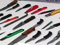 En Bogotá firman decreto que prohíbe compra y venta de armas blancas