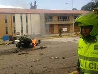 Explota carro bomba en la Escuela de Policía General Santander de Bogotá