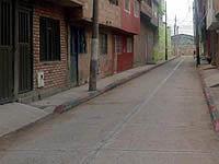 Por gestión de la JAC se repara vía en Soacha
