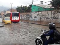 Inundaciones en vía principal de Soacha