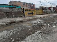 Deterioro total de una vía en el centro de Soacha