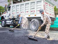 Con material reciclado de 264.000 llantas han tapado huecos en 4.000 vías de Bogotá