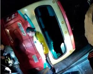 Diez heridos dejó  volcamiento de  bus en Soacha