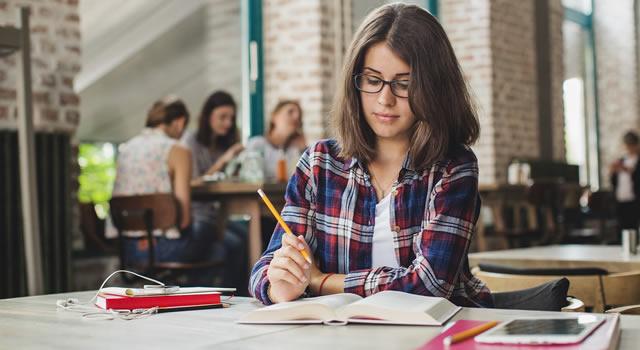 Cómo elegir la mejor manera de financiar los estudios