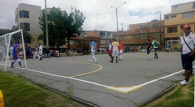Por iniciativa de la JAC y la comunidad, se recupera parque en Soacha