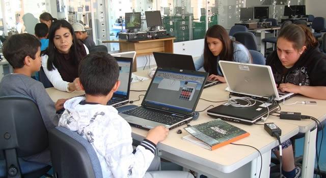 Jóvenes talentos  podrán cursar sus estudios artísticos y de Economía Naranja en el exterior