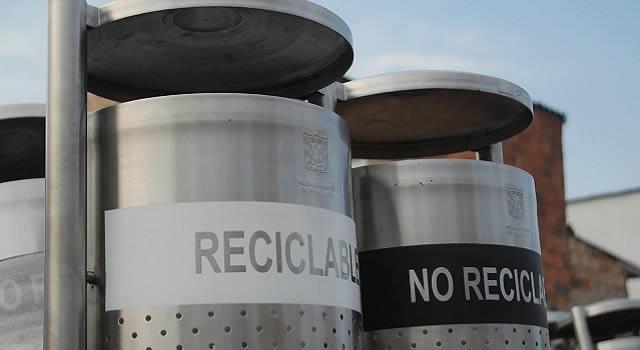 ¿Por qué hay tantas canecas de basura en Bogotá?