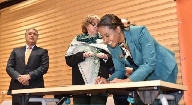 Firman pacto para el fortalecimiento de la Economía Naranja en Cundinamarca