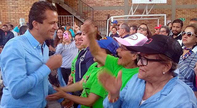 Comunales de Soacha respaldan a Juan Carlos Saldarriaga