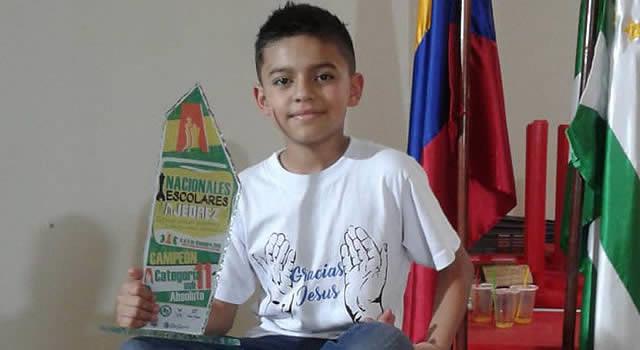 El niño talento del ajedrez colombiano pasó por Soacha