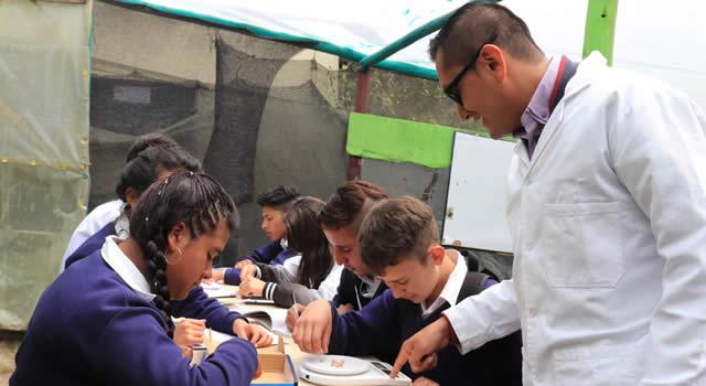 Docente de Soacha estudia  posgrado gracias al apoyo de la Alcaldía Municipal