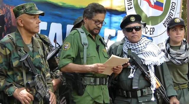 Santrich, Iván Márquez  y 'El Paisa' anuncian retoma de armas