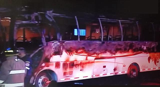 Incendian bus de Cootransfusa en Soacha