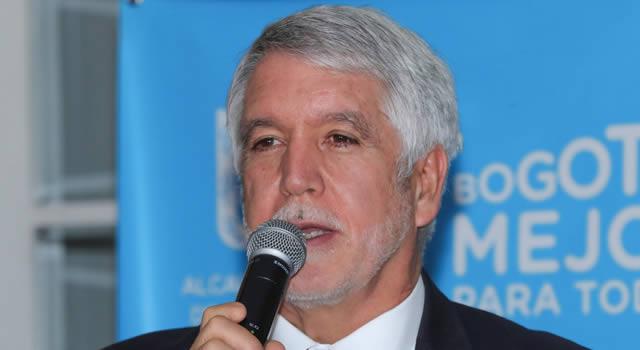 """""""Somos distintos, no vamos a sabotear a la nueva Alcaldía"""": Peñalosa"""