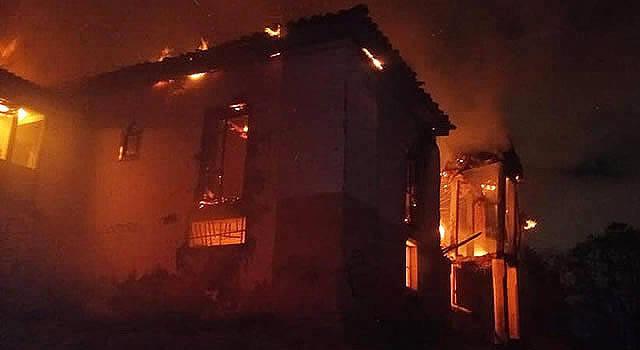 ¿Quién le prendió fuego a la Casona de la Hacienda Ogamora o Chucua Vargas en Soacha?
