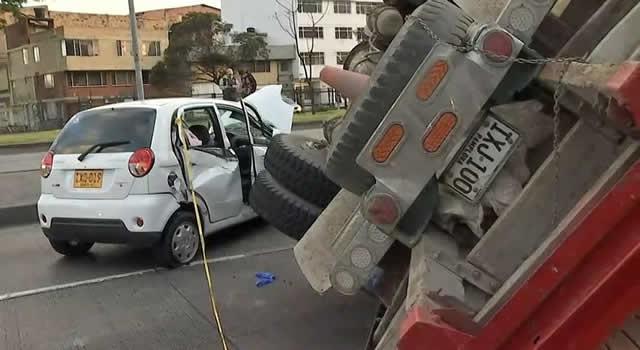 Grave accidente de tránsito en la Carrera 30 de Bogotá deja dos personas heridas