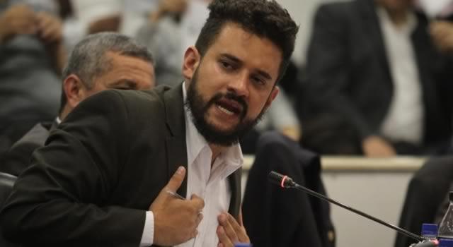 Asprilla denunció  robo de pruebas de abusos policiales contra jóvenes en Soacha