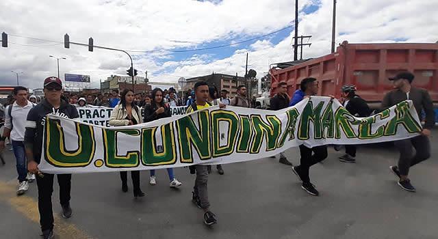 Estudiantes universitarios  de Soacha se movilizaron para rechazar agresiones de la Policía
