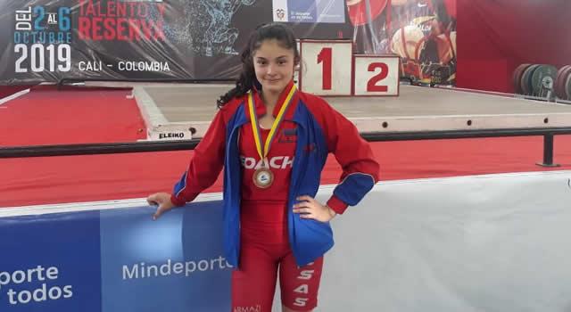 Juliana Peralta, la pesista soachuna que obtuvo medalla en Cali
