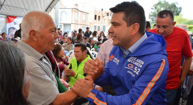 Nicolás García continúa recorriendo Cundinamarca