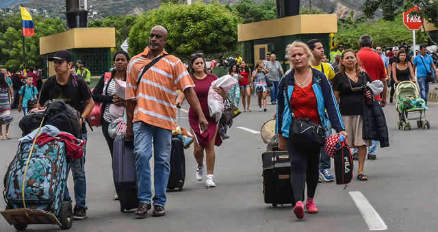 España  realizará millonaria donación a Colombia para abordar crisis migratoria