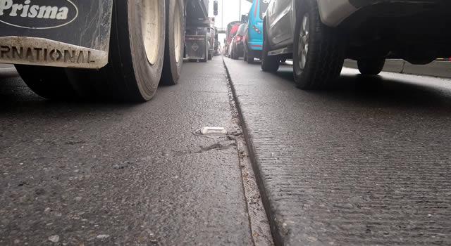 Peligrosa  trampa para motociclistas en Autopista Sur de Soacha