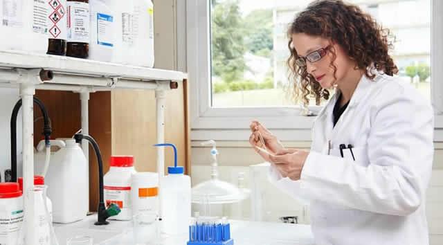 Siete científicas colombianas serán premiadas a través del programa Para las Mujeres en la Ciencia